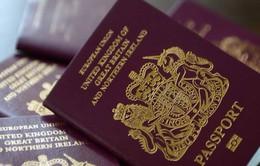 Số công dân EU xin cấp hộ chiếu Anh tăng mạnh