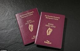 Số người Anh xin hộ chiếu Ireland tăng kỷ lục hậu Brexit