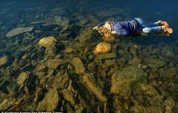 """Hồ nước đóng băng phát ra âm thanh quái dị như """"người ngoài hành tinh"""""""