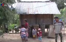 Sau gần 1 năm, hộ nghèo mới nhận được tiền hỗ trợ Tết Bính Thân