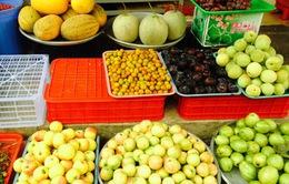Chợ Thủ Đức tăng cường kiểm tra chất lượng trái cây nhập khẩu