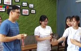 CLB High5 Hà Nội giúp người nước ngoài học tiếng Việt