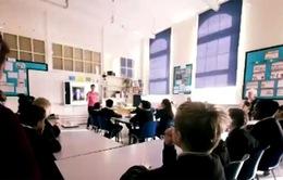 Trường học dạy dấu hiệu nhận biết hoạt động buôn người tại Anh