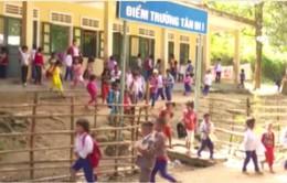 Quảng Trị tăng cường vận động học sinh vùng cao ra lớp