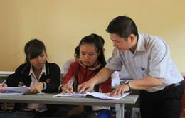 Hòa Bình: Động viên học sinh vùng cao đến trường ôn tập