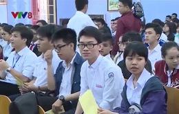 215 thí sinh tham gia cuộc thi toán trên máy tính cầm tay