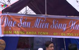 Sinh viên tổ chức hội chợ quảng bá du lịch Việt