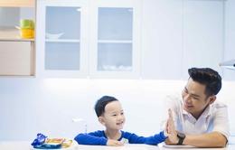 Vào bếp cùng bố con Chíp sún