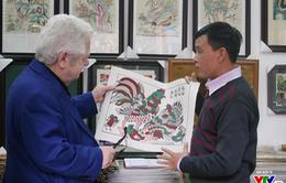 Cùng Đại sứ Hy Lạp khám phá hình tượng con gà trong tranh dân gian Việt Nam