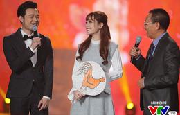 VIDEO: Quang Vinh - Chi Pu ngọt ngào chúc năm mới khán giả