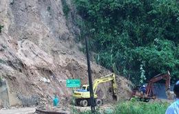 Cảnh báo tình trạng sạt lở đất trên Quốc lộ 49A