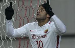 Hulk dứt điểm sấm sét giúp Shanghai SIPG giành 3 điểm với 10 người