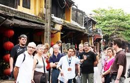 Hướng dẫn viên du lịch Việt Nam: Thiếu và yếu