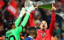 Lộ lý do chính khiến Ibrahimovic đồng ý ở lại Man Utd