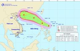 Xuất hiện bão Pakhar giật cấp 10 gần Biển Đông
