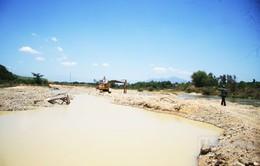 Khánh Hòa: Khai thác cát trên bờ tiềm ẩn nguy cơ sạt lở