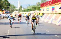 Chặng 2 Giải xe đạp Cúp Truyền hình Bến Tre lần thứ 19 - 2017: Áo vàng đổi chủ