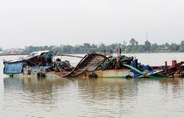 Bắt sà lan và ghe lớn bơm hút cát lậu tại Đồng Nai