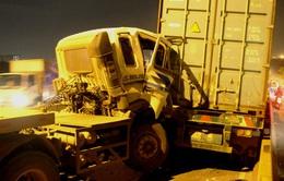 TP.HCM: 3 xe container tông nhau, cầu Phú Mỹ ùn tắc nhiều giờ