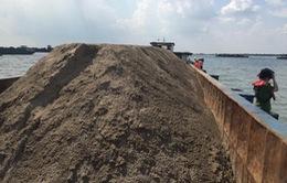 Cần Thơ: Phạt 14 sà lan chở cát không rõ nguồn gốc