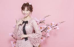 Hari Won xinh tươi diện áo dài ren đón xuân