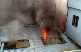 Hà Nội: Nhà trong ngõ đột nhiên phát hỏa, cháy lan sang nhà hàng xóm