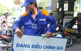 Mỗi lít xăng có thể phải chịu 8.000 đồng thuế bảo vệ môi trường