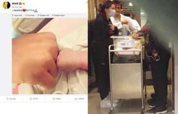 Huỳnh Hiểu Minh khoe khéo ảnh con, Angela Baby lần đầu xuất hiện sau sinh