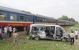 Đồng Nai: Tàu hỏa tông ô tô, 2 người chết, nhiều người thương vong