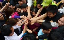 'Cướp lộc' ở Lễ khai hội chùa Hương là hành động 'điên rồ'