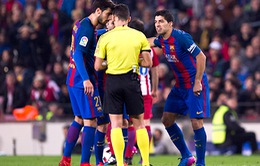 Trong mắt trọng tài, Luis Suarez luôn là kẻ xấu!