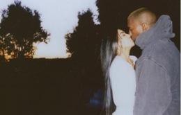 Vợ chồng Obama, Kim 'siêu vòng 3'... nhắn gì ngày Valentine?