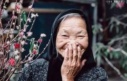 Nụ cười yêu đời của cụ bà thu gom giấy vụn ở Đà Lạt