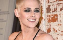Kristen Stewart gây sốc khi cạo đầu và nhuộm tóc vàng