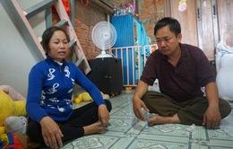 Người cha nuôi 2 con bại não xin lỗi vì 'vợ không bỏ con'