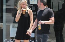 Ben Affleck công khai bạn gái mới