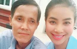 Hoa hậu Phạm Hương hủy hết lịch trình, vội vã về Hải Phòng vì bố bệnh nặng