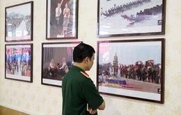 """Trưng bày 100 bức ảnh về """"Vẻ đẹp đất nước và con người Lào"""""""
