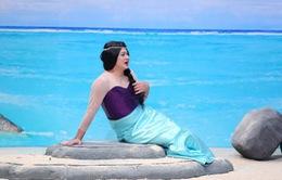 """Tự Long hóa thành """"Hoa hậu lợn biển"""", đá xoáy khả năng hát live của các ca sĩ"""