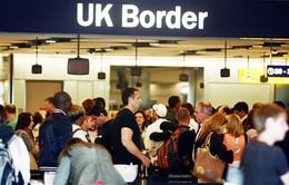 Số người nhập cư vào Anh thấp nhất trong 3 năm