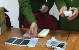 Thu giữ lô hàng iPhone trị giá hơn 3 tỷ đồng nhập lậu từ Hàn Quốc