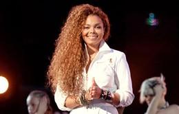Em gái Vua nhạc Pop Michael Jackson làm mẹ ở tuổi 50