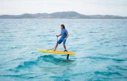 Trải nghiệm bay bổng trên mặt nước với ván lướt eFoil