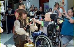 Hành động tuyệt vời của Johnny Depp cho các bệnh nhi