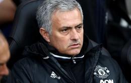 """Mourinho kêu gọi đối thủ """"nhẹ tay"""" với Man Utd"""