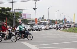 Tiền Giang - Bến Tre: Kẹt xe nghiêm trọng tại cầu Rạch Miễu