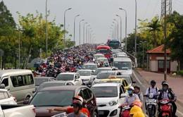 Ùn tắc nghiêm trọng khu vực gần bến xe Miền Đông