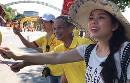 Người dân Nghệ An hào hứng đón chào giải xe đạp quốc tế VTV Cúp Tôn Hoa Sen 2017