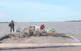 Hé lộ những thủ đoạn khai thác cát lậu tại Bến Tre