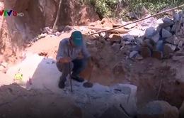 Quảng Ngãi: Khai thác đá trái phép trên núi Khỉ